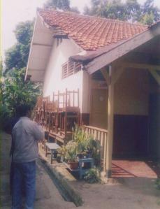 Gedung SDN 08 Jakarta Selatan yang keadaannya memprihatinkan