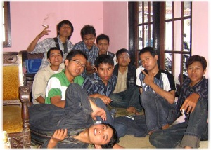 Silaturrahmi di tempat Kepala Sekolah MAN 1 Kota Magelang, Drs. Thoifur