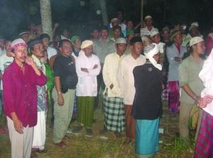 Ratusan simpatisan menghadiri pemakaman Nana Ikhwan Maulana